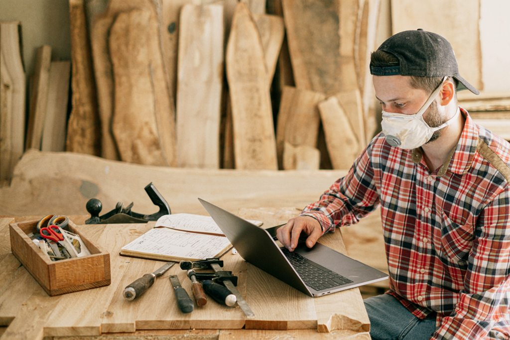 How to Search for Construction Professionals Online