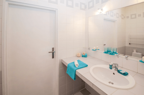 Space-Saving Tips For Your Bathroom
