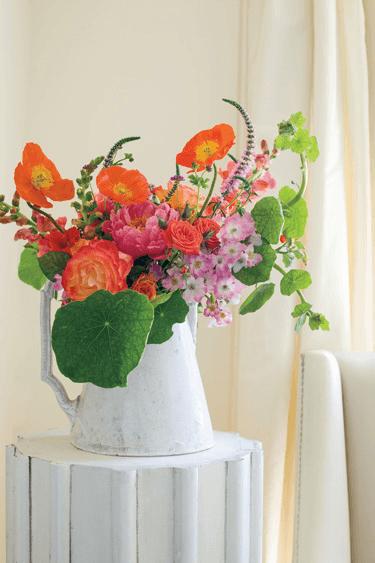 8 FLOWER ARRANGEMENT MISTAKES TO AVOID