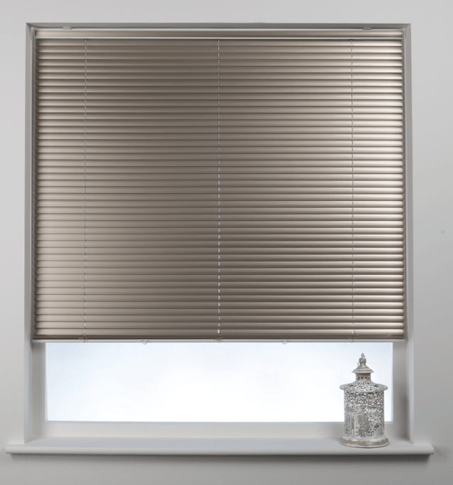 why aluminium blinds work best in the bathroom my unique home. Black Bedroom Furniture Sets. Home Design Ideas
