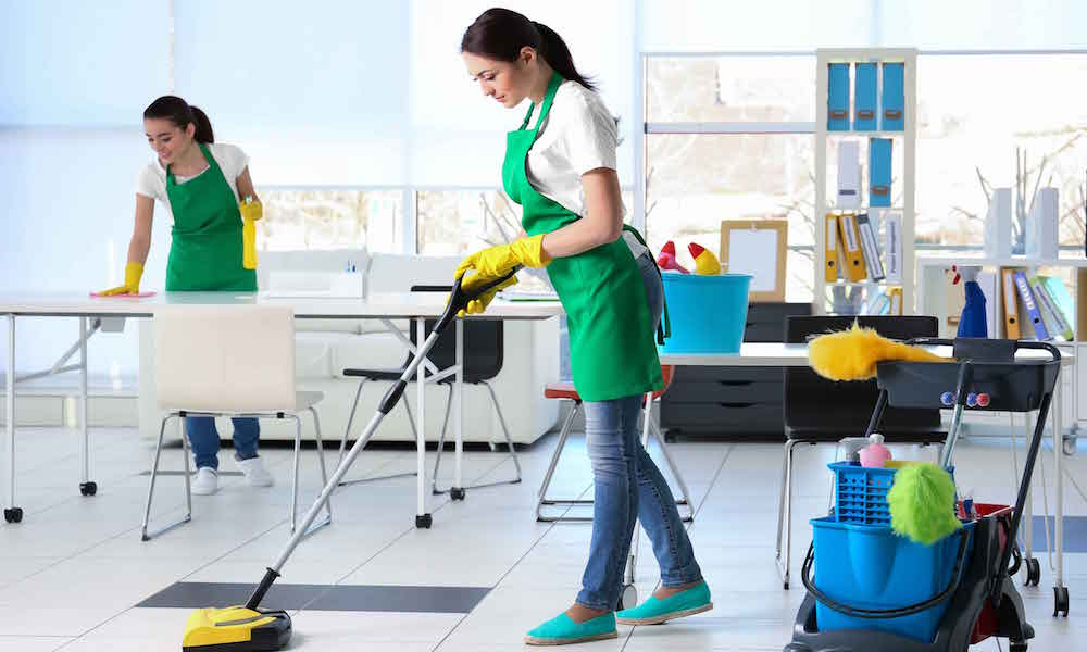 Why you Should Hire a Professional Cleaning Service when you Move