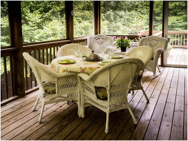5 Essential Tips to Keep Your Deck Damage-free and Beautiful