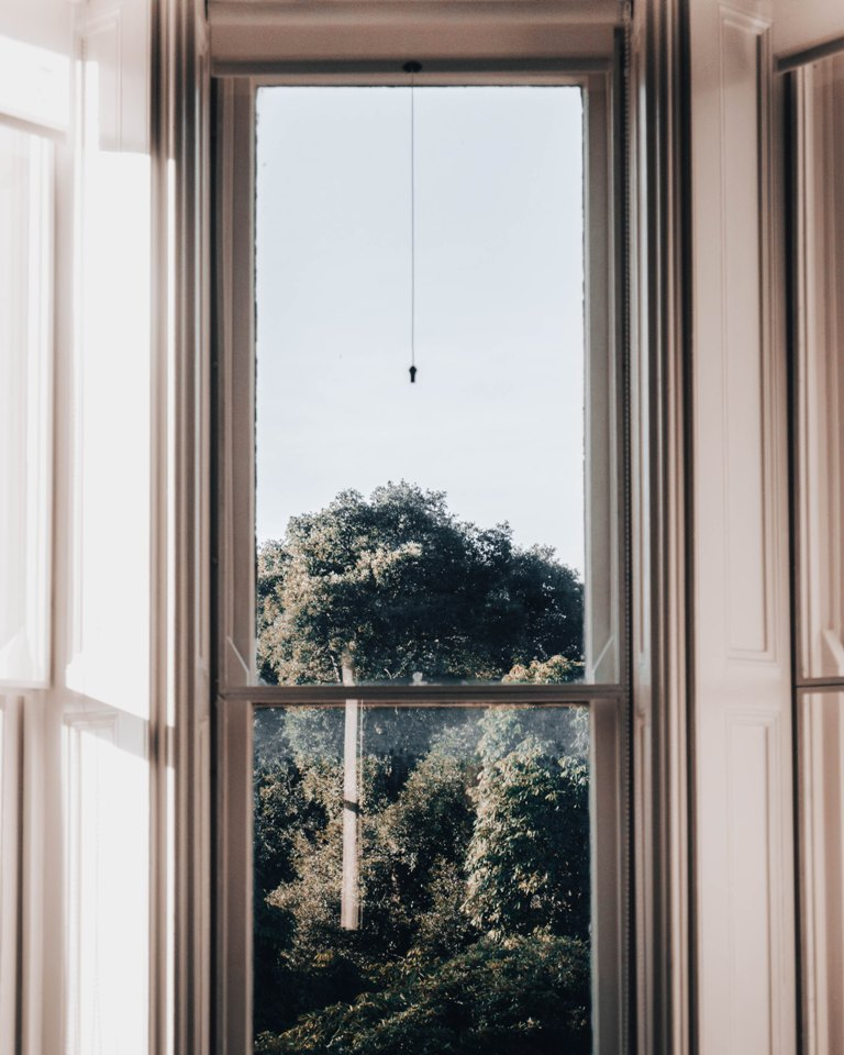 Signs You Need Installers For Double Glazed Sash Windows