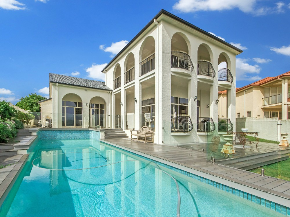 7 Deluxe Houses Lotto Winners Can Buy