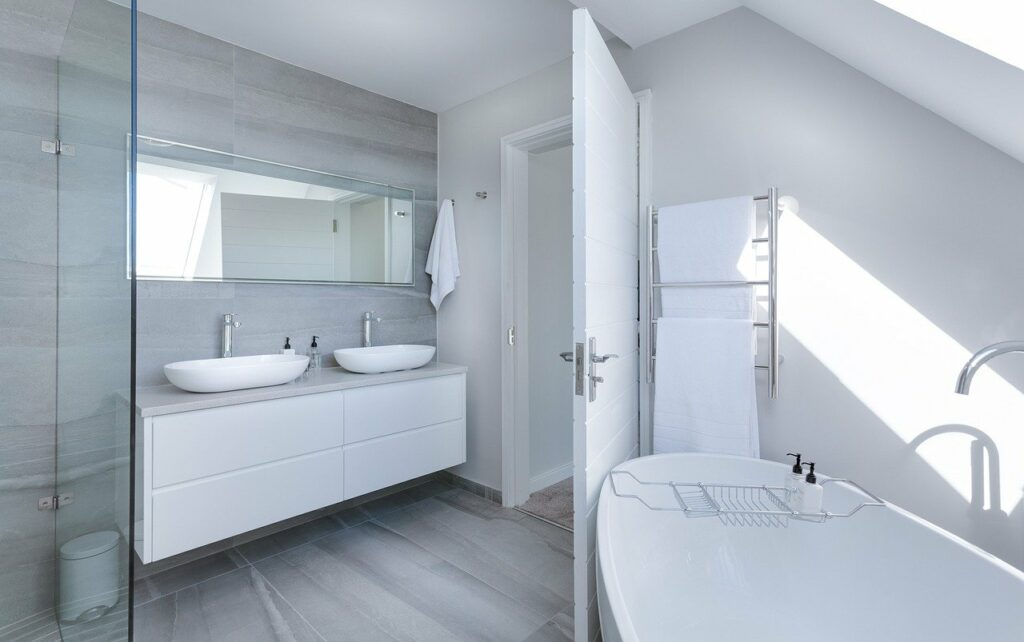 Do's and don'ts for bathroom flooring