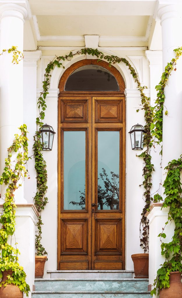 Pros and Cons of Oak Doors