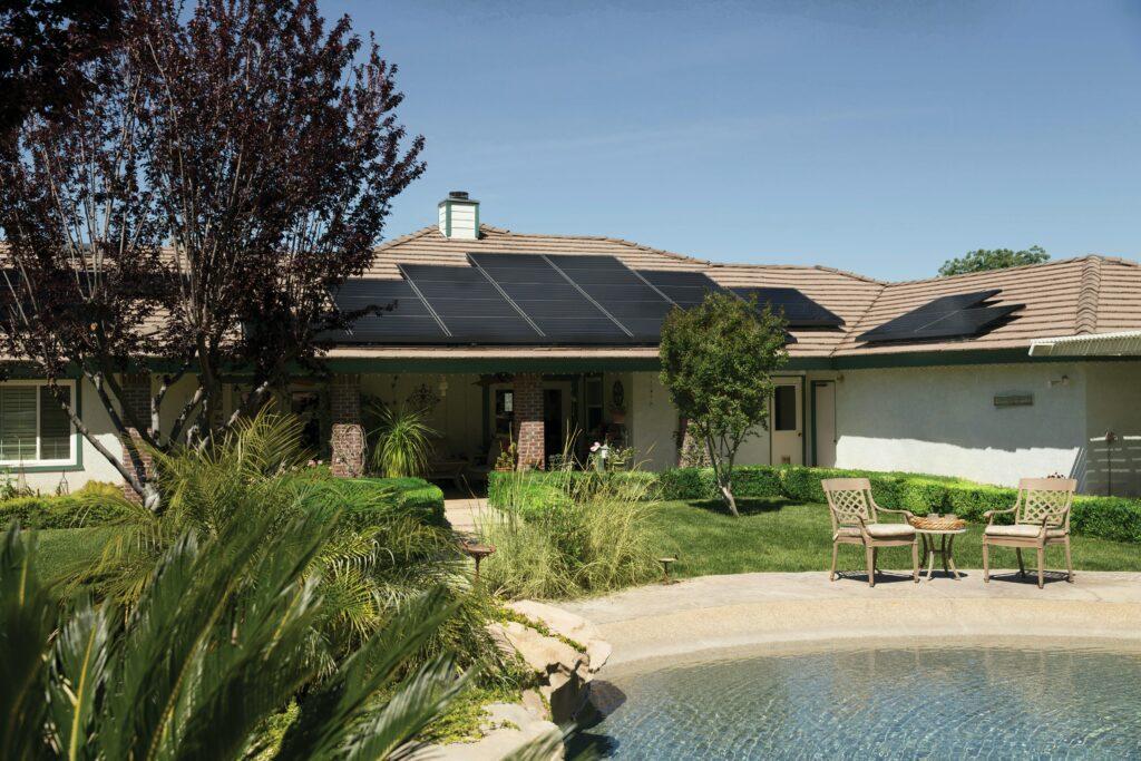The Benefits of Solar Panels on Maui