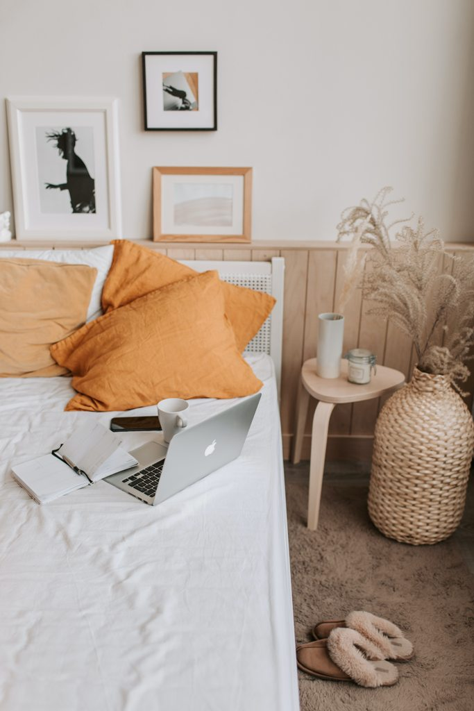 How to maximise space in your small bedroom