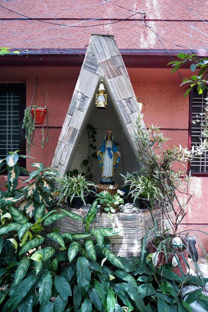 A Devotee's Guide to Choosing a Virgin Mary Statue